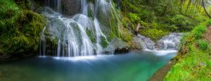 2 Wasserfälle in tropischem Ambiente